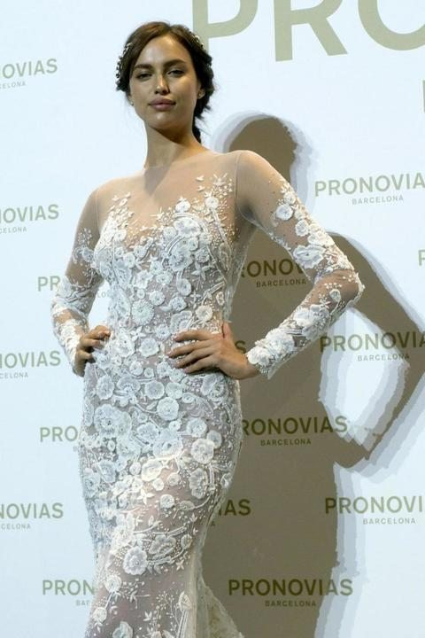 Irina Shayk alla Barcelona Bridal Fashion Week