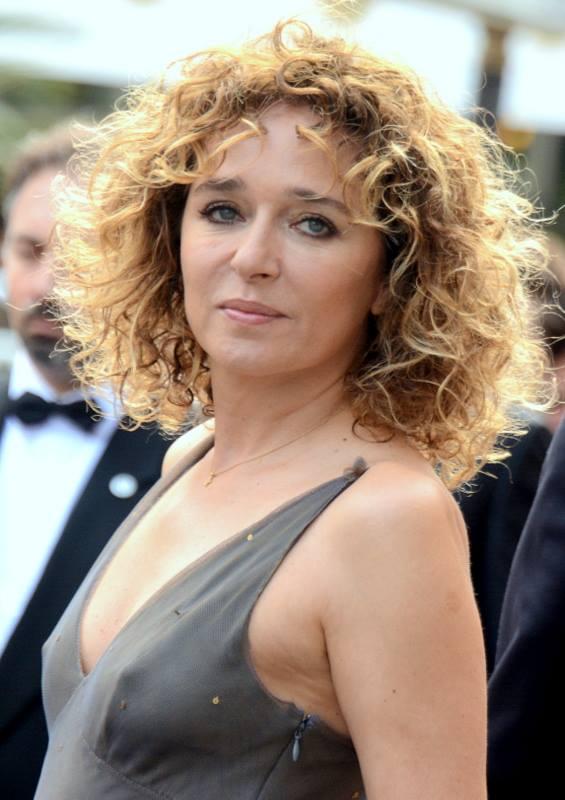 Valeria_Golino_Cannes_2015