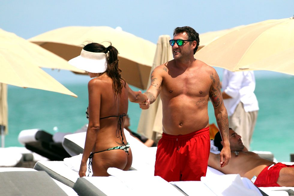 Christian Vieri with Debbie Castaneda and Alessia Tedeschi at the beach