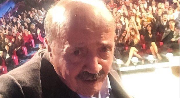2108889_costanzo_selfie_twitter