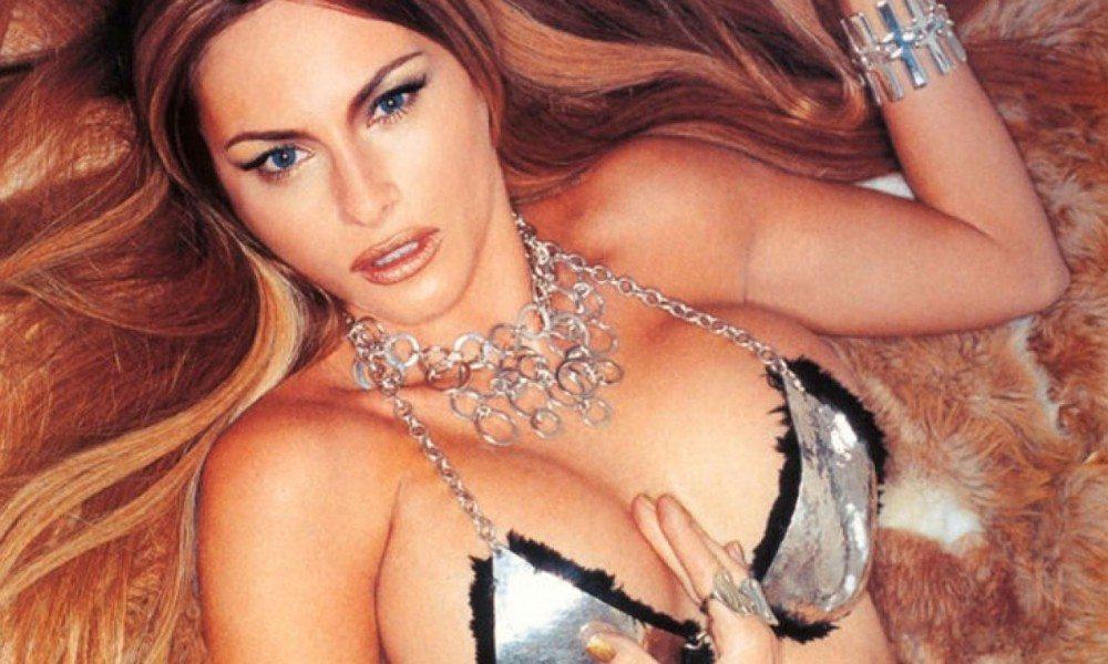 asi-es-melania-trump-la-sexy-exmodelo-que-podria-convertirse-en-la-primera-dama-estadounidense-1000x600