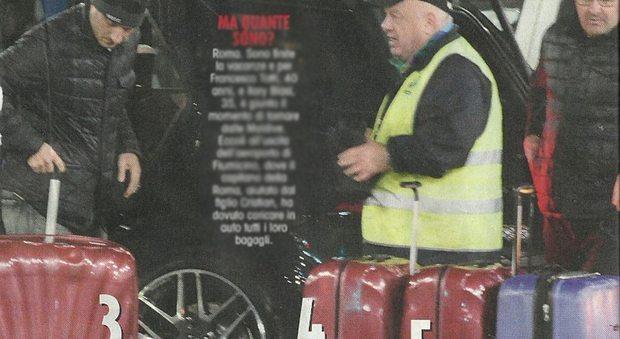 """Ilary Blasi e Francesco Totti e il """"carico pesante"""": ritorno dalle Maldive con sette valigie"""