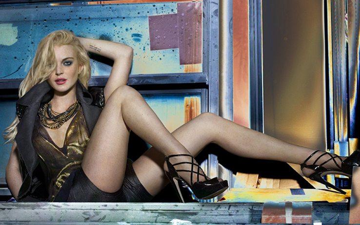 (KIKA) - LOS ANGELES - Lindsay Lohan ha posato in alcuni scatti sexy per il catalogo della nuova collezione di leggings della marca 6126 da lei disegnata. L'attrice  stata fotografata mentre indossa calze a autoreggenti e balla una lap dance. WENN©kikapress.com