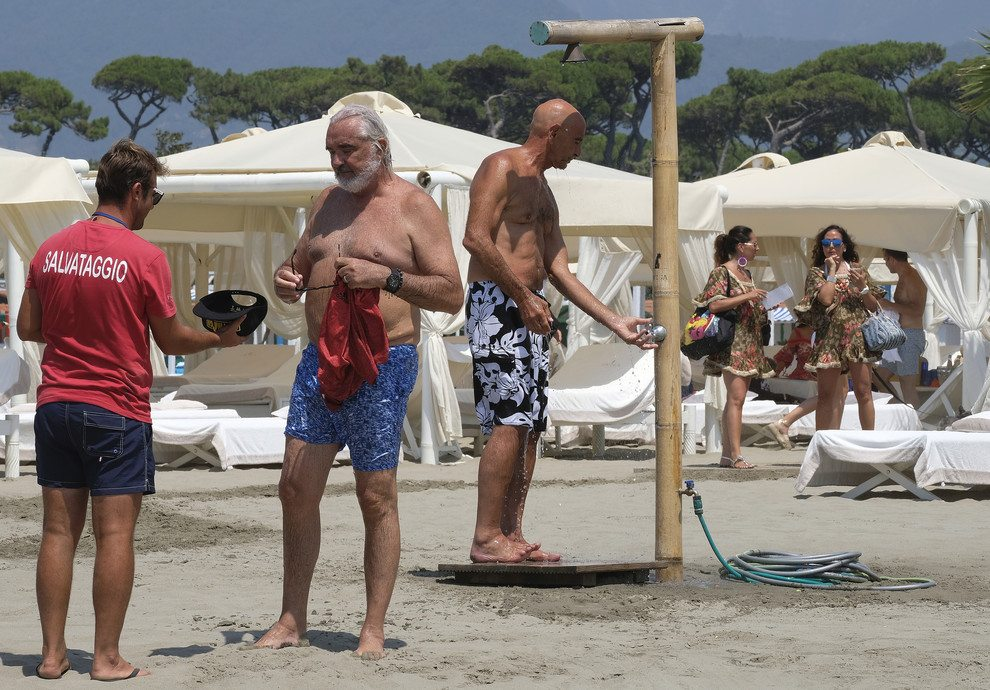 MARINA DI PIETRASANTA. FLAVIO BRIATORE AL TWIGA BEACH CLUB