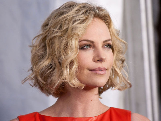 Charlize-Theron_o_su_horizontal_fixed