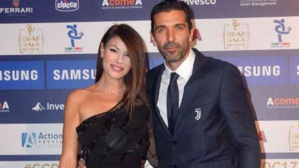Gigi Buffon e Ilaria D'Amico, eleganti e felici al Gran Galà del calcio