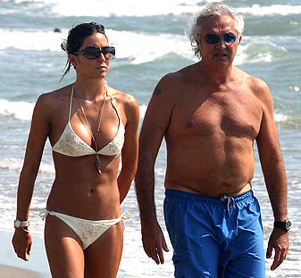"""Elisabetta Gregoraci e Flavio Briatore, i motivi dell'addio: """"Quei messaggi hot sul telefonino e gli impegni che distraggono..."""""""
