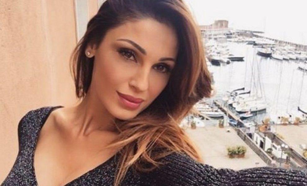 Anna Tatangelo dopo l'addio a Gigi D'Alessio: «Una notte con Stash, il cantante dei The Kolors»