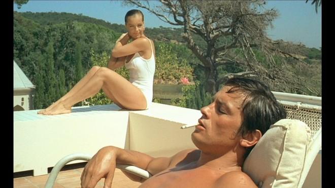 3988952_Alain_Delon_in_una_scena_del_film_La_piscina
