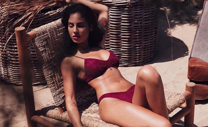 giulia-de-lellis-foto-hot-su-instagram-giulia-de-lellis-costume-bikini-foto