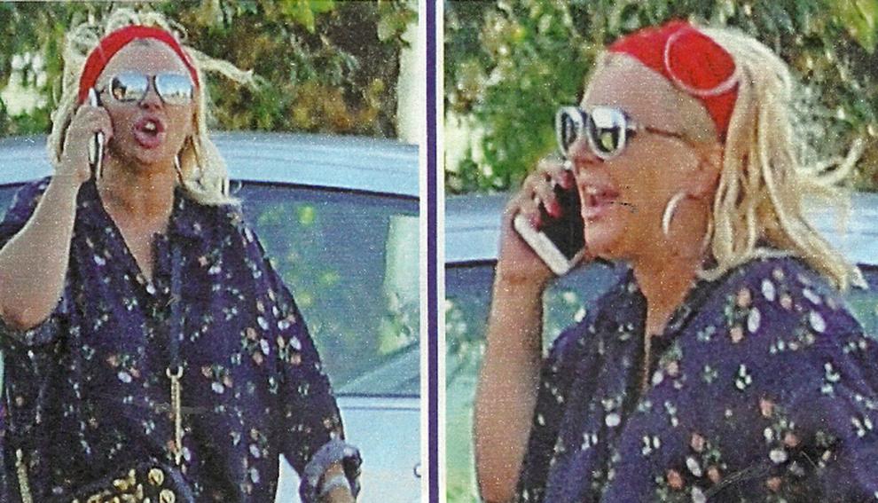 Tina Cipollari perde le staffe: fuoriosa al telefono per strada