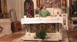 Soldi di Mahmood cantata prima della Messa: la sorpresa del