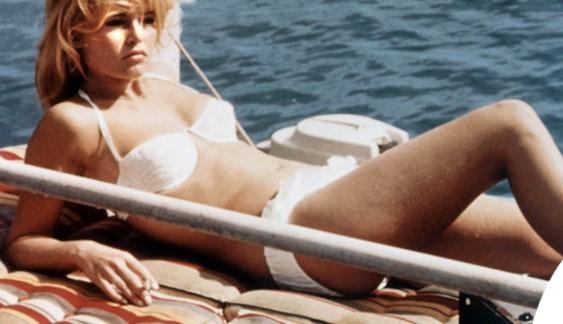 Brigitte-Bardot-bikini-1962