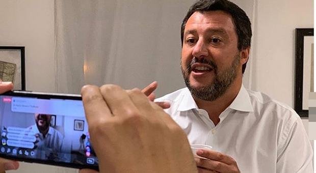 Live Non è la D'Urso, scontro fra Matteo Salvini e Asia Arge