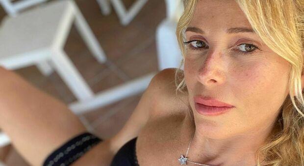 Verissimo, Alessia Marcuzzi e le voci di un flirt con Stefano De Martino: «Tutta colpa di un fiore, ora ci rido su»